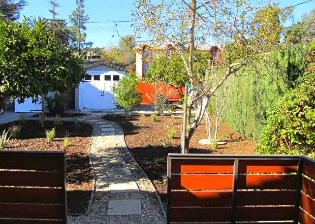 Yard. Courtesy of Steven Senigram – Keller Williams Los Feliz