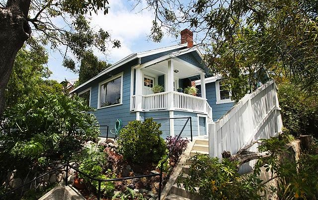 Hysteria in Highland Park: Listed for $379k and sold for $542