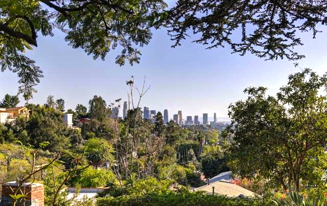 DTLA views. Listed byMark R. Murphy – Brock Real Estate