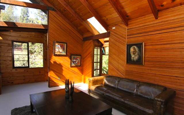 Cabin: 409 Rustic Dr., Los Angeles, 90065