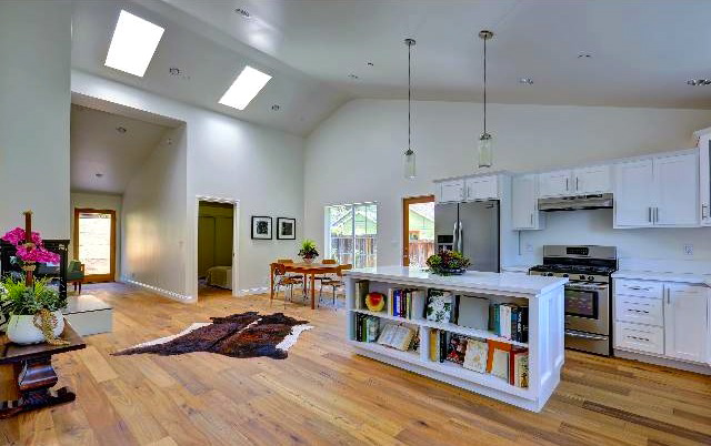 Open kitchen with vaulted ceiling