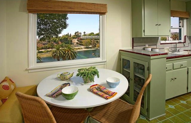 Breakfast with a view and gorgeous built-ins