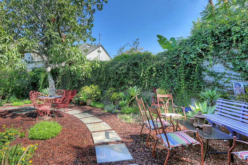 1934 Traditional: 924 Sanborn Ave., Los Angeles, 90029