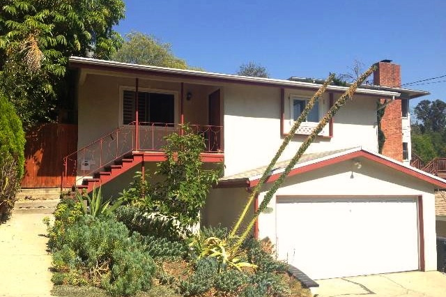 The Not-So-Perfect House: Similar area, 95 days on the market for $495k, dated Mid-Century with a view