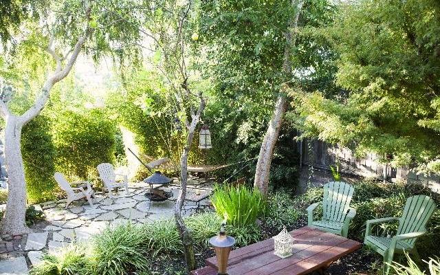 1922 Cottage Duplex: 2046 Cerro Gordo St., Los Angeles, 90039