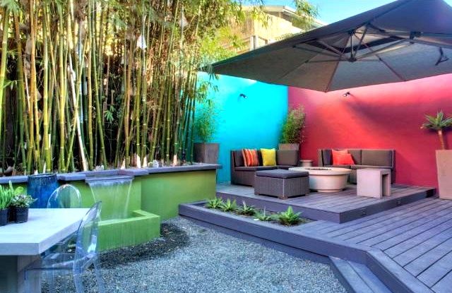 Deck and patio. Courtesy of Heather Roy, Teles Properties