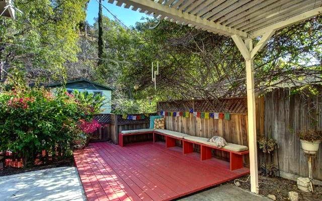 Entertainer's patio
