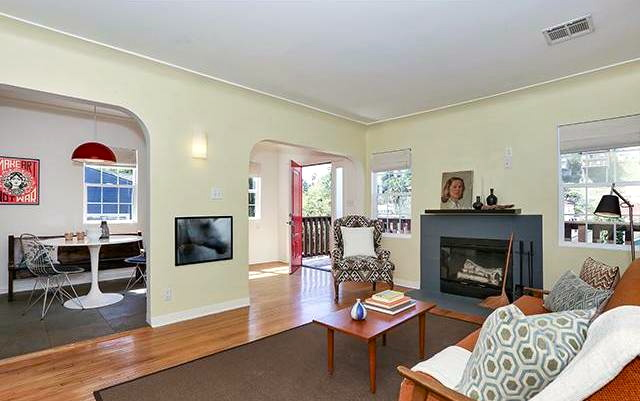Located in Silver Lake minutes to eateries and shops