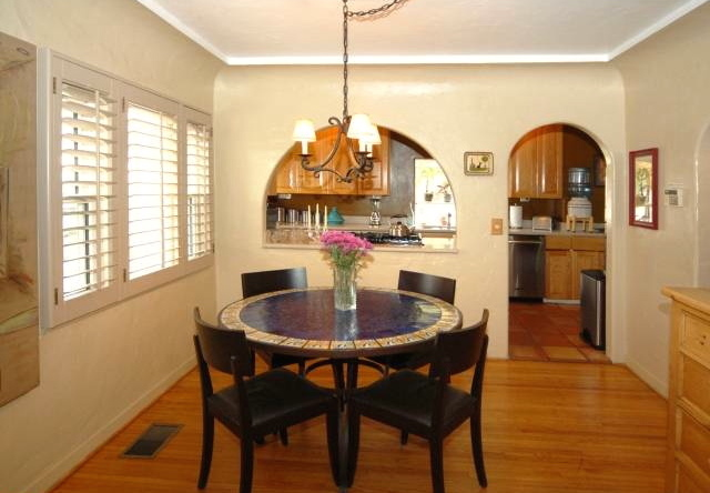 Dining room with coved ceiling