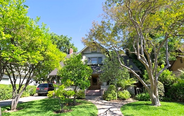 Craftsman grand dame in the heart of Highland Park
