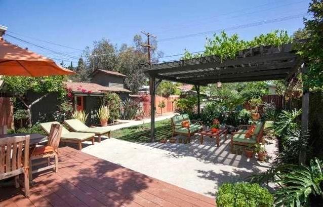 Backyard. Courtesy of Arbi Baghoomian – Americana RE Services